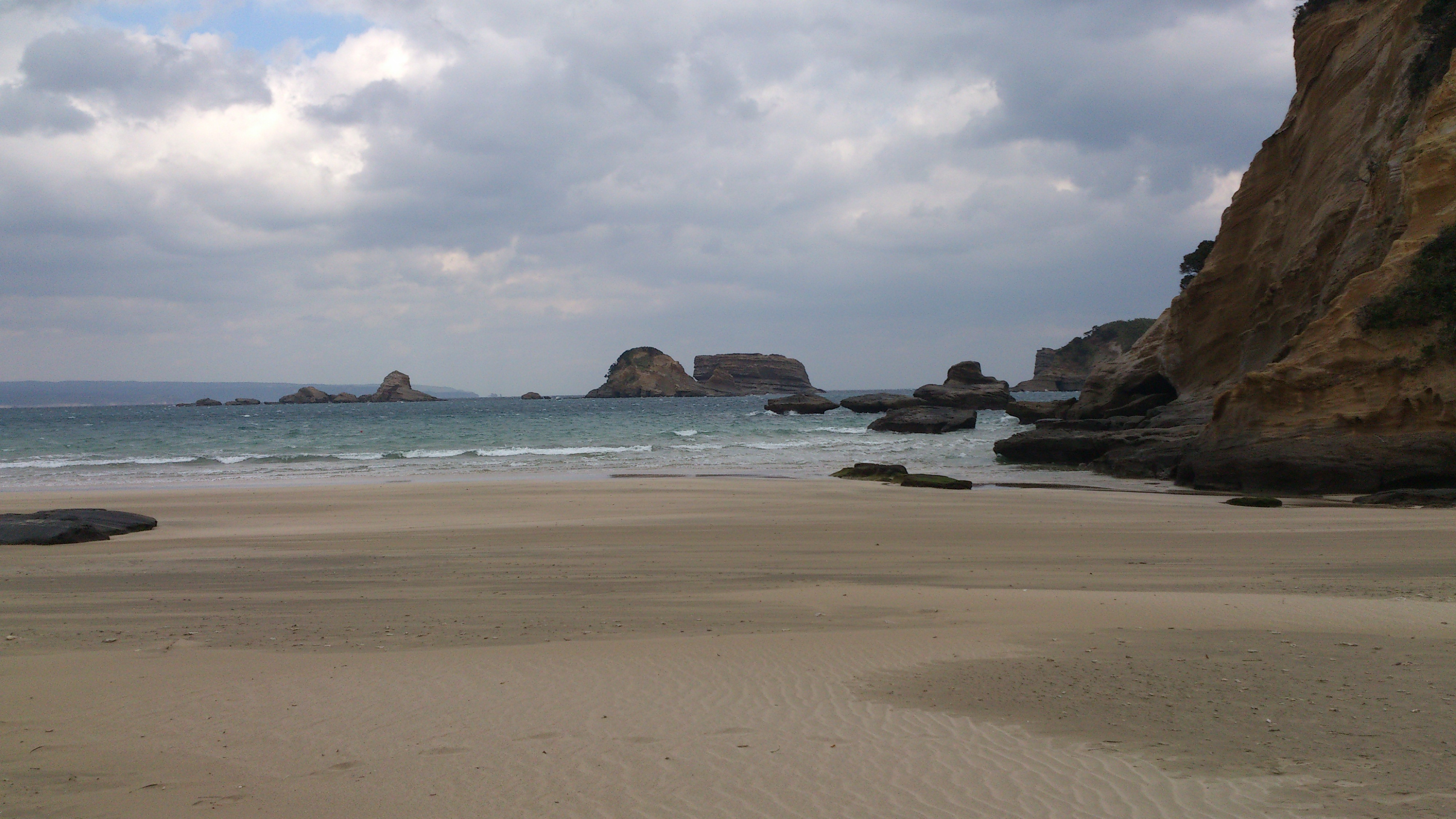 2012年12月。僕は種子島を一人で旅した:たぶんこれも象の水飲み岩