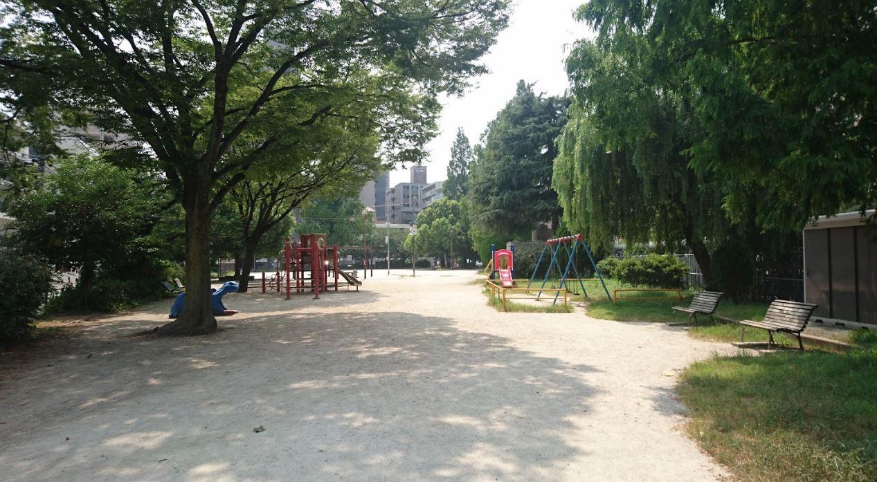 公園でゆっくり過ごす休日が好きだけど、それも割と難しい