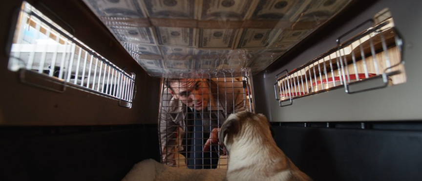 ジーサンズ はじめての強盗:犬用かごの天井に資金を貼り付けていた