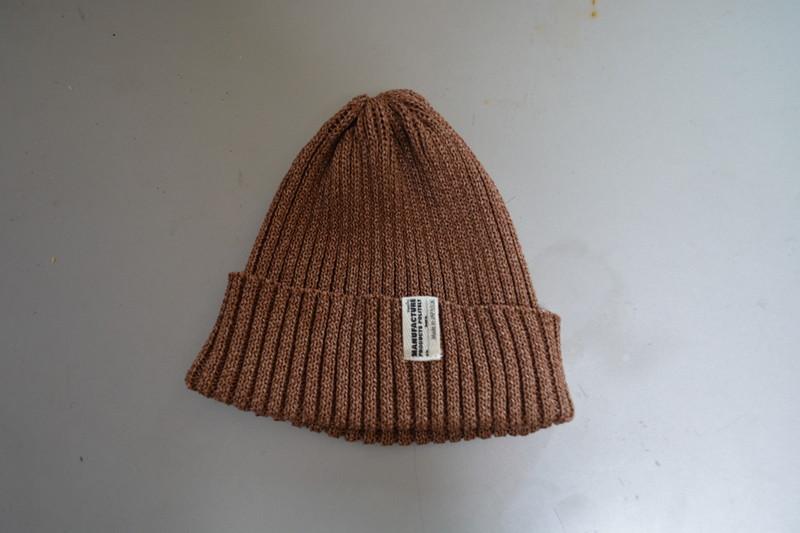 新鮮なブラウン。色の選択肢が多いメンズサマーニット帽