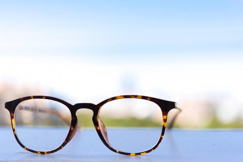 視力検査ってもしかしてガバガバルールじゃないか?