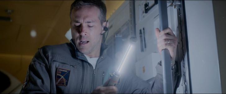 高知能エイリアンとの闘い「ライフ」:酸素キャンドル