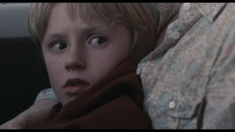 父親であるデヴィッドを見て驚くビリー