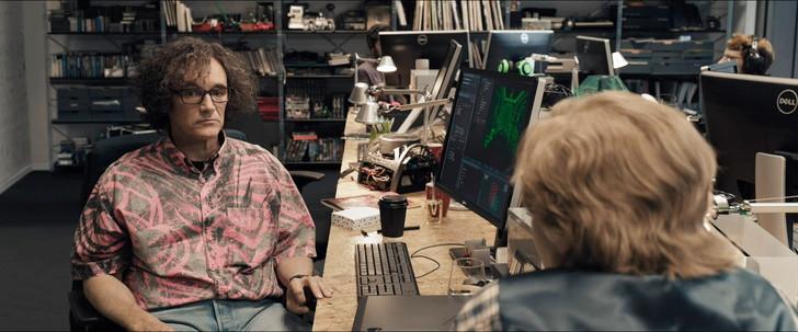 【95点】「レディ・プレイヤー1」元ネタ完全把握は無理!:オアシス内で再生される現実世界の映像(高精細で最新な感じ)
