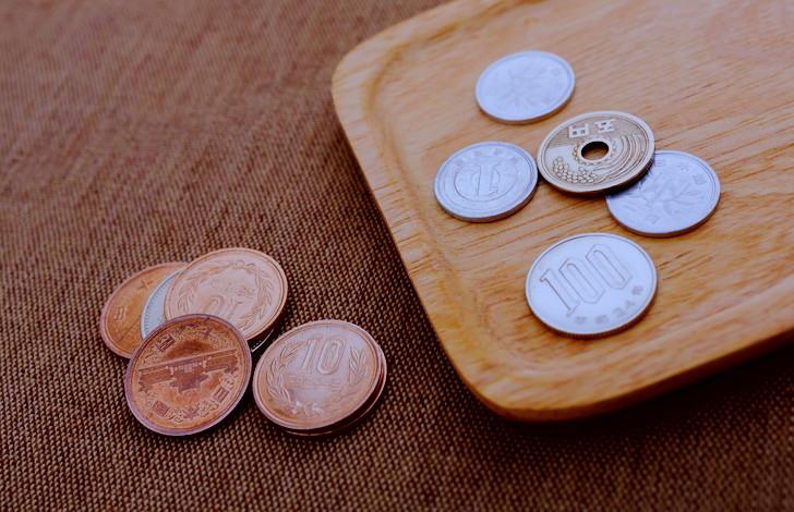 お釣りの小銭を減らす計算、100回に1回くらいは間違える