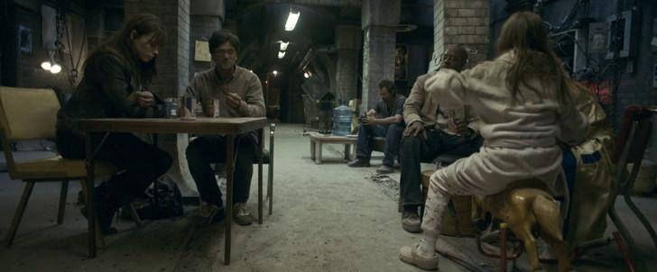 【80点】終末後のシェルターでの共同生活「ディヴァイド」感想:シェルターに逃げ込んだ直後の一時的な平穏