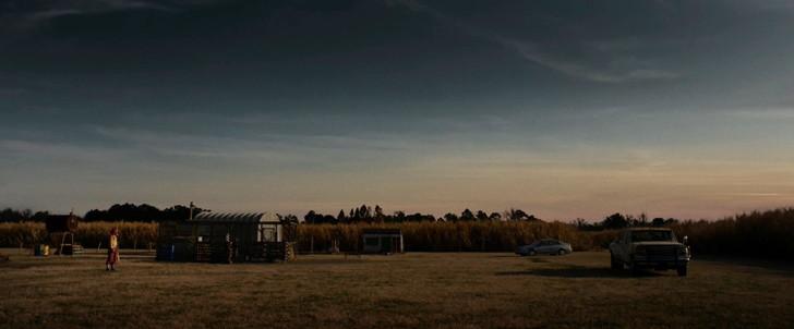 「10クローバーフィールド・レーン」評価と感想」:脱出に成功すると、そこには静かな農場が。