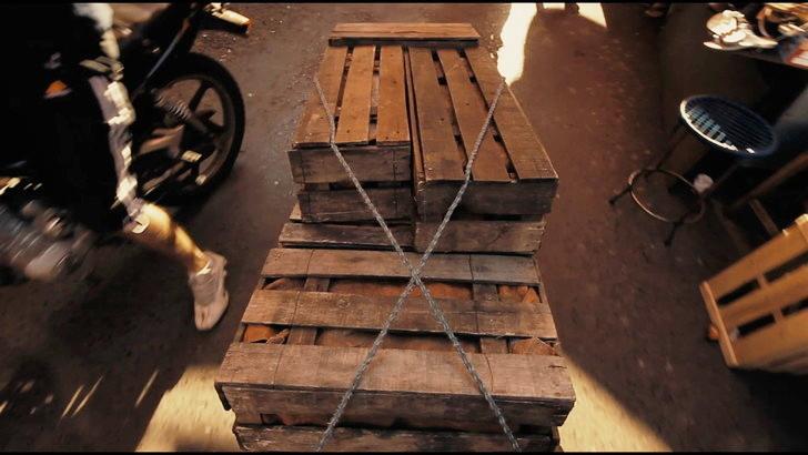 【80点】荷物の正体は何?「7BOX」評価と感想:謎の7つの箱