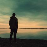 ずっと一人でいると「孤独感」には慣れるけど、あらゆる刺激に敏感になってメンタルが脆くなる