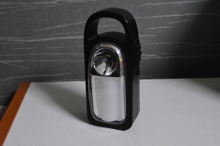 一人暮らしの僕が3年以上愛用し続けてる100均アイテム8選:LEDライト
