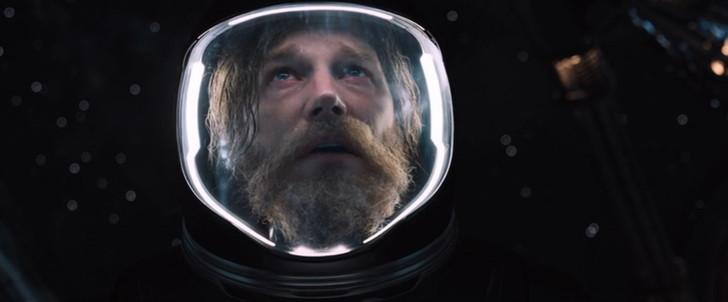宇宙遊泳中のジム