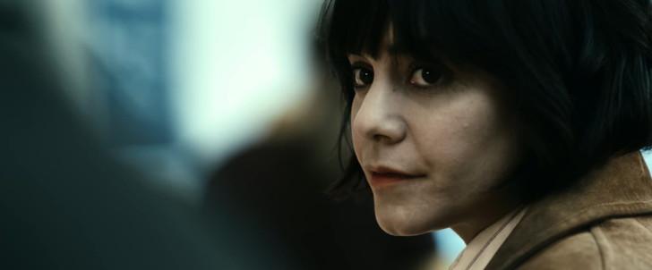 【85点】ベテラン殺し屋vs若手刺客集団「ポーラー 狙われた暗殺者」評価と感想【Netflix】:カミーユ
