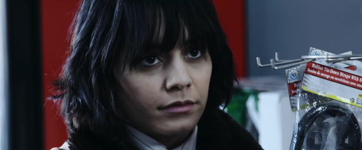 【85点】ベテラン殺し屋vs若手刺客集団「ポーラー 狙われた暗殺者」評価と感想【Netflix】:カイザーに初めて遭遇した時のカミーユ
