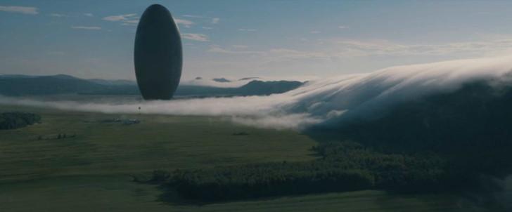 """【80点】エイリアンが""""ばかうけ""""を贈るSF「メッセージ」感想と考察:巨大な「ばかうけ型宇宙船」"""