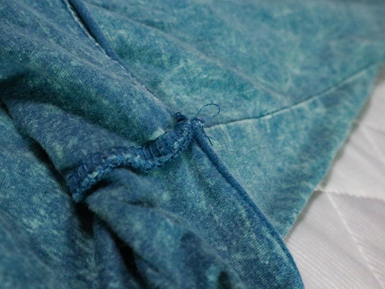 「Ouky(オーキー)」という最高にカッコ良いダメージTシャツについて語る: 縫い目(Sandbar)
