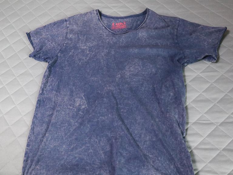 「Ouky(オーキー)」という最高にカッコ良いダメージTシャツについて語る: 全体(Blue moon)