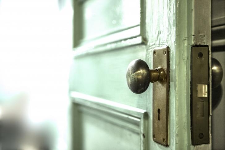 【一人暮らし5年目】一人暮らし中に発生する「最高に好きな瞬間」TOP5を紹介するよ: 第2位:その日初めて玄関のドアを開ける時